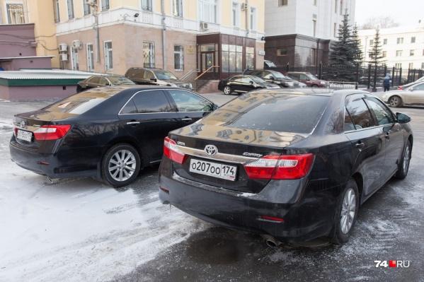 С 2021 года красивые госномера будут продавать через аукционы или после оплаты повышенной пошлины, размер которой — до 6 миллионов рублей