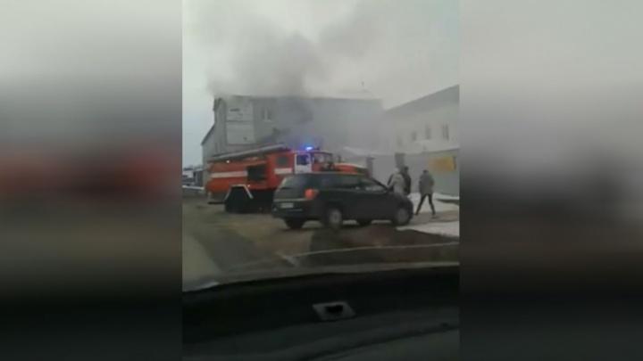Уфимцев напугал густой дым в промзоне