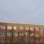 «Педагога рядом не было»: в челябинской школе ребёнок выпал из окна на втором этаже