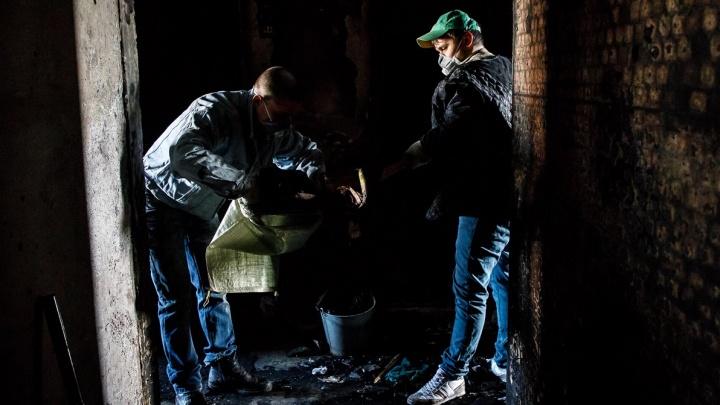 16 человек оказались на улице: в Волгограде из-за пожара эвакуировали жильцов пятиэтажки