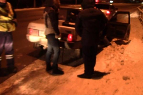 Наркотики нашли в бардачке машины