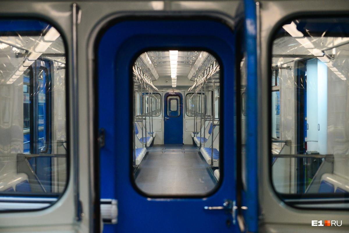 Метро Екатеринбурга отремонтировало старые поезда, чтобы они работали еще пятнадцать лет