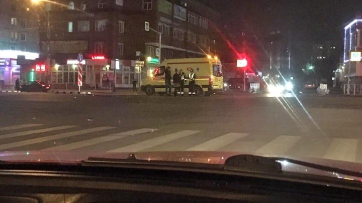 В Октябрьском районе автомобиль сбил пешехода