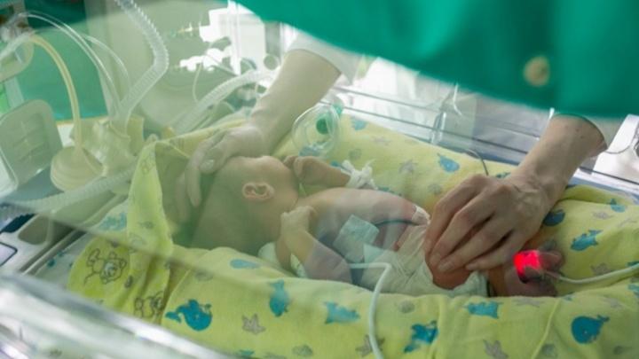 «Это здоровый мальчик»: стали известны первые подробности о рождённом в автобусе ребёнке