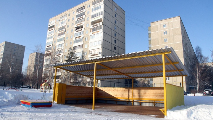 В Екатеринбурге задержали мужчину, который зашел в детский сад в одном нижнем белье
