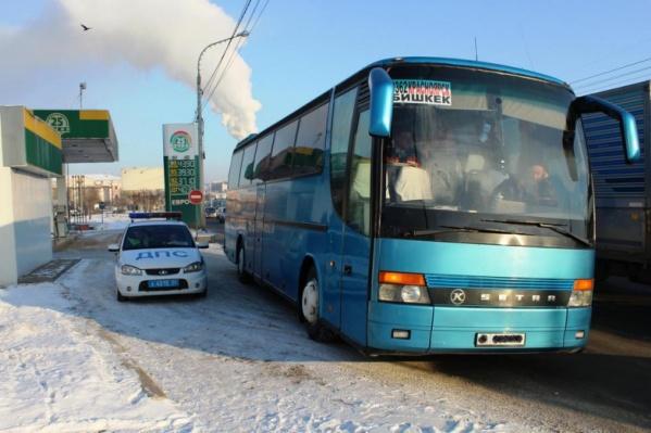 Водителя неисправного автобуса оштрафовали на 1,5 тысячи рублей за неработающие тормоза и непристёгнутых пассажиров в салоне