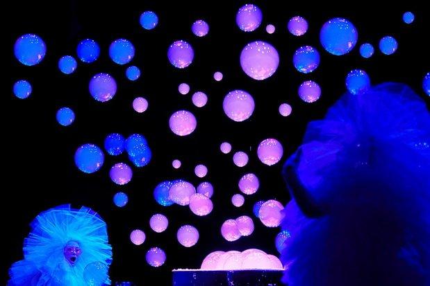 Идём на «Ночь искусств», открываем «Коляда-Plays», слушаем Sting'а и ещё 21 идея для выходных