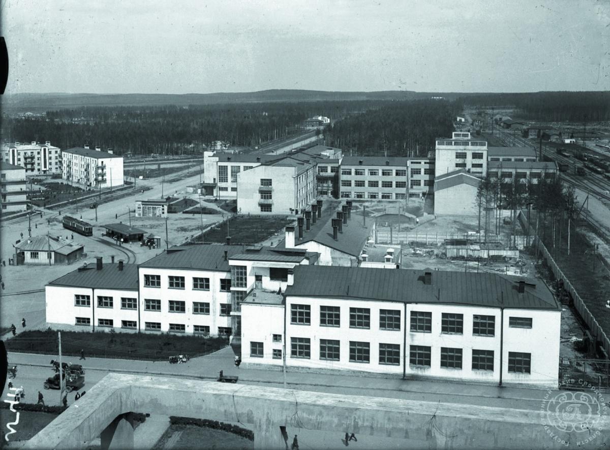 А это та же улица в 1936 году