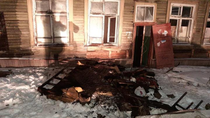 Четыре пожара за один день: северодвинские спасатели нашли в горящей деревяшке обгоревшего мужчину