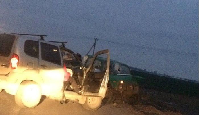 Лоб в лоб: на трассе в Башкирии столкнулись две легковушки