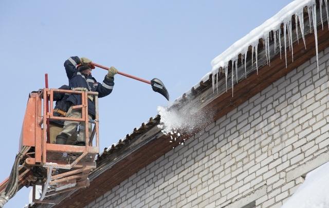 В каких дворах уберут снег в Уфе 25 марта