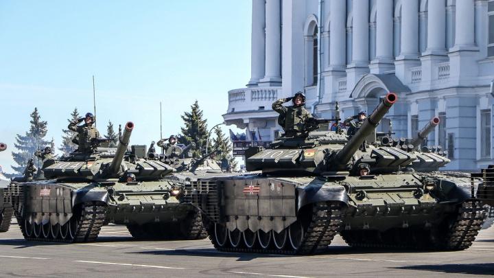 «Под её залпами вряд ли кто выжил». Обзор военной техники в Нижнем Новгороде перед 9 Мая