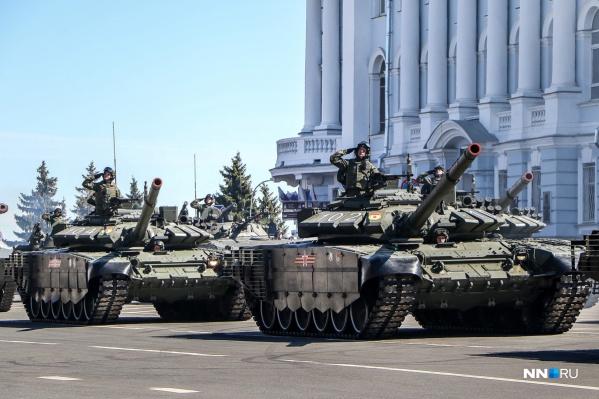 Нижегородцы смогут посмотреть на всю военную технику из нашего обзора 9 мая на площади Минина