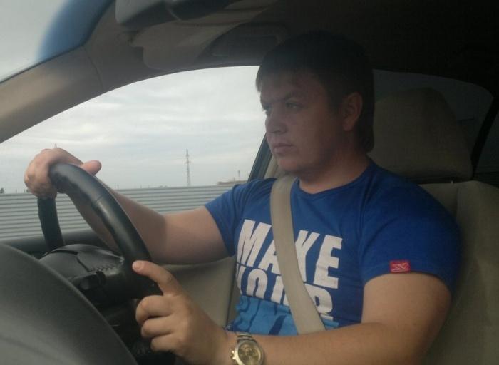 Виталий Шелков обнаружил, что на него записали долги бывшего владельца машины