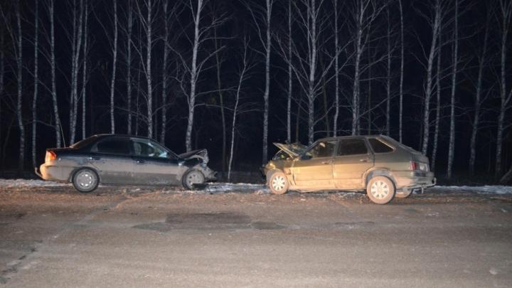 В Башкирии в лобовом столкновении ВАЗ-2114 и KIA Spectra погибла женщина