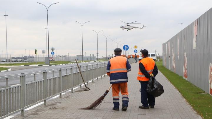Фоторепортаж: вертолет Путина садится на стадионе «Нижний Новгород»