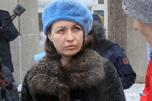 Мэр встретилась с журналистами на улице в метель
