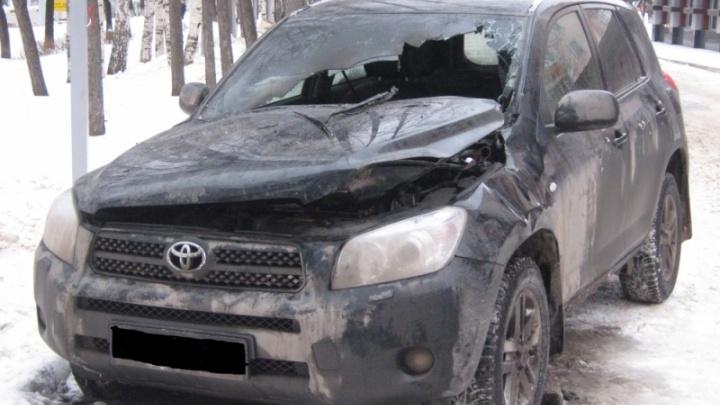 Башкирские спасатели назвали основную причину зимних пожаров в автомобилях