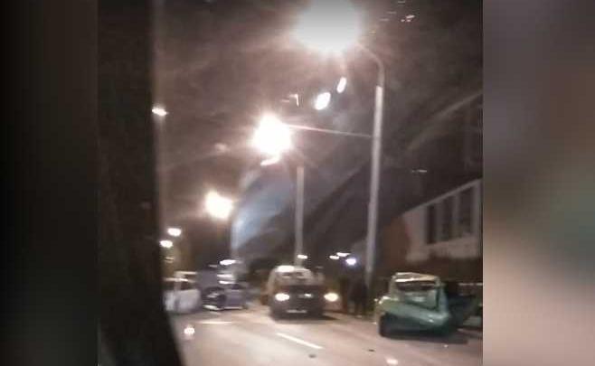 Массовая авария в Сипайлово: в Уфе столкнулись 6 машин