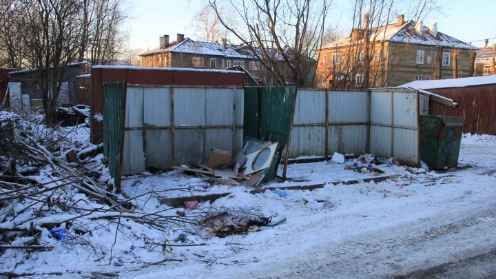 Компания, отказавшаяся от договора с регоператором, увезла свои контейнеры с улиц Архангельска