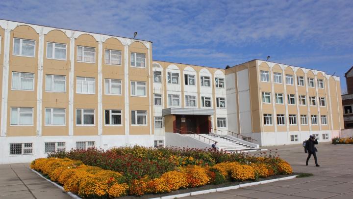 В Омске задержали одну из школьниц, издевавшихся над одноклассницей