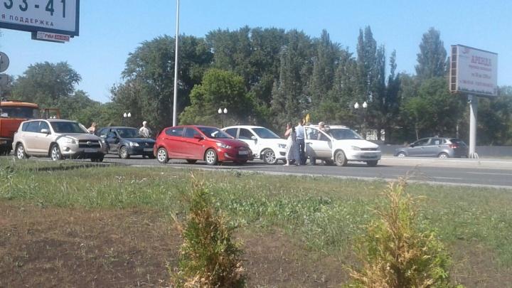 «Пробка от тоннеля на 18 км»: возле «Новой Самары» столкнулись пять автомобилей