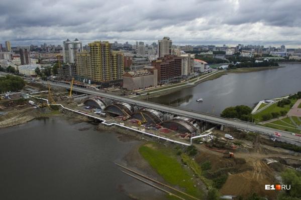 Макаровский мост снова откроют для машин и трамваев