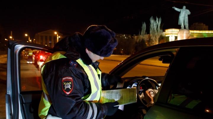 «В больнице с травмой живота»: в Волгограде ищут водителя «Лады-Приоры», сбившего 16-летнюю девушку