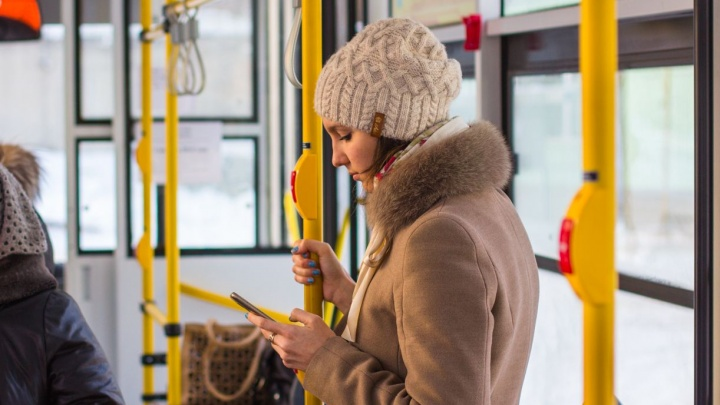 Аналитики узнали, сколько времени женщины Архангельска тратят на звонки 8 марта