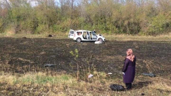 На трассе в Башкирии перевернулась «Лада-Ларгус»: пострадали трое