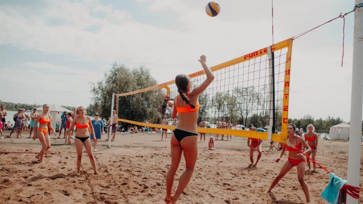 Самые знойные красотки Уфы сразились в турнире по пляжному волейболу
