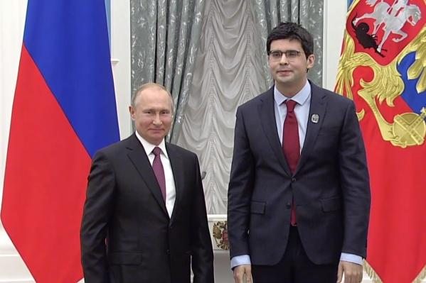 Валентин Урюпин с Владимиром Путиным на вручении государственной премии в Кремле