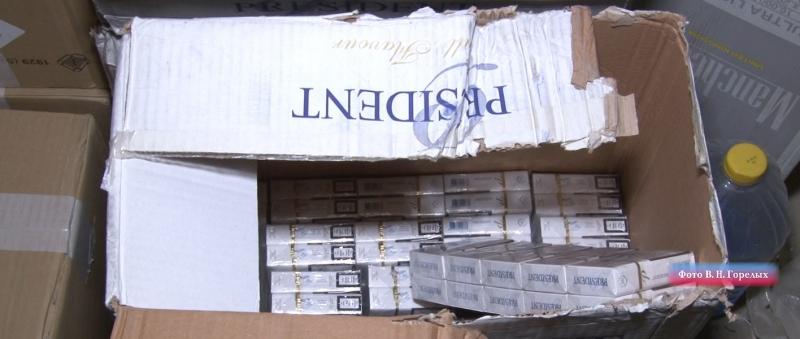 Среди конфискованного товара — сигареты Manchester, President, Marlboro, «Престиж», «Донской табак» и другие