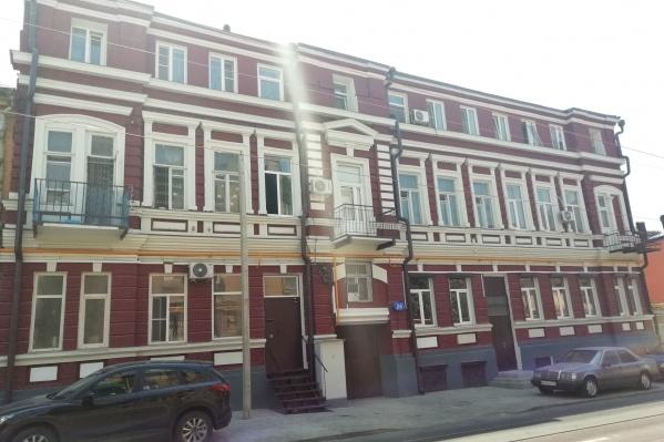 Раньше этот дом на ул. Станиславского, 24 представлял собой жалкое зрелище