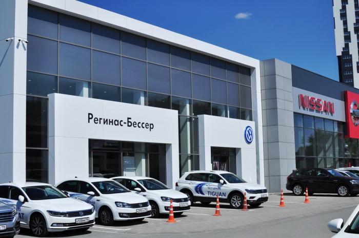В честь праздника автосалон продаст 27 автомобилей по специальным ценам