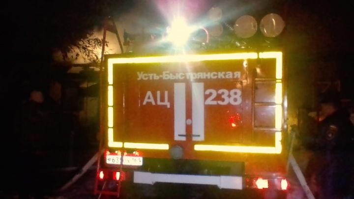 Папа, мама и двое детей: в ночном пожаре в Ростовской области погибли четыре человека