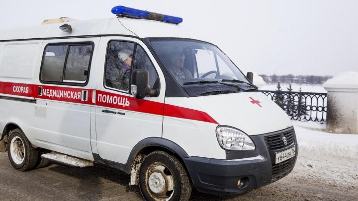 В центре Ярославля мужчина порезал ножом подростка: мальчика прооперировали