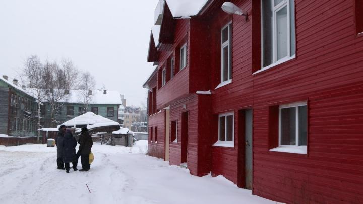 В доме поселилась только плесень: дольщики «Седьмого неба» до сих пор ждут свои квартиры
