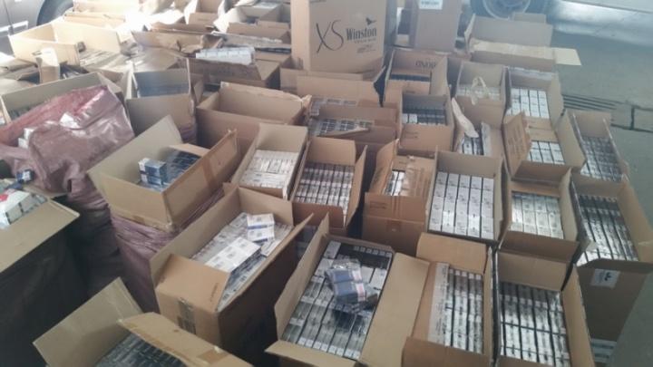 Курганские полицейские задержали 260 коробок с немаркированными сигаретами
