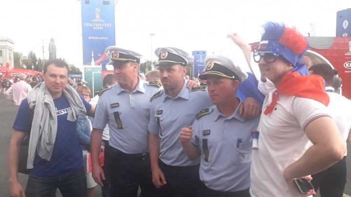 Датские полицейские помогли самарским коллегам обеспечить порядок на фан-фесте