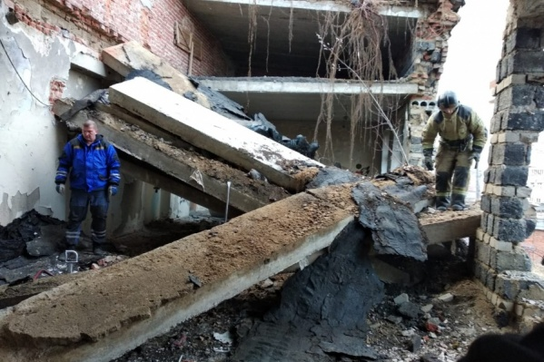 Подростка извлекали из-под завалов с риском дальнейшего обрушения конструкций<br>