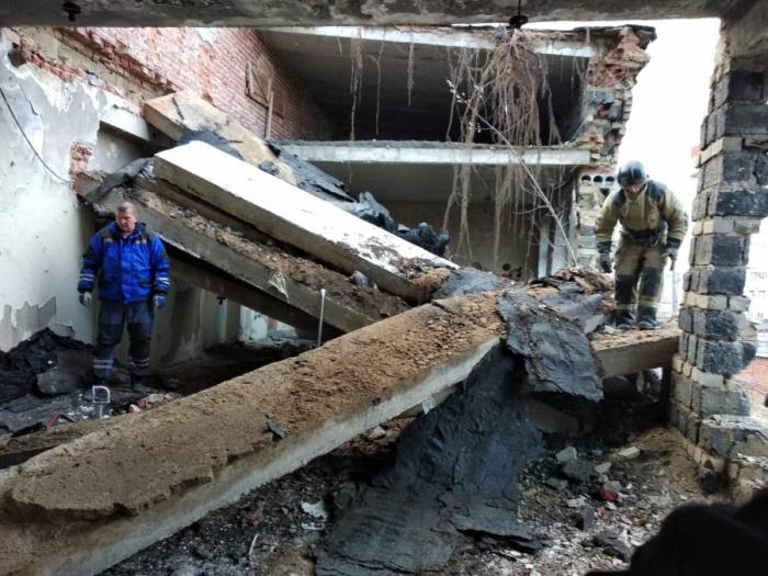 Подростка извлекали из-под завалов с риском дальнейшего обрушения конструкций