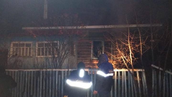 В Башкирии вспыхнул жилой дом, погиб мужчина