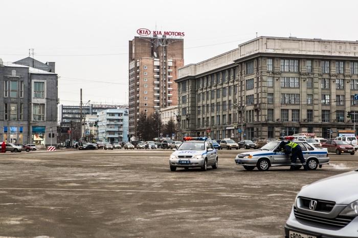 Парковка на площади Ленина закрыта с утра пятницы