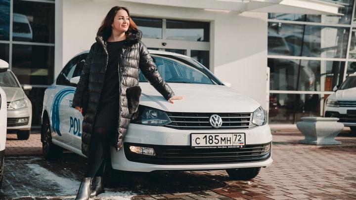 Прекрасный пол о прекрасном Polo: «сладкий» блогер снял сливки с серебристого Volkswagen