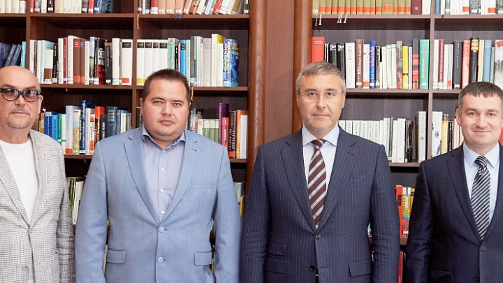 «Бейкер Хьюз» и ТюмГУ подписали широкоформатный договор о сотрудничестве