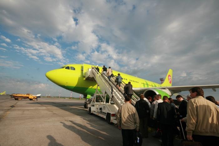 Пьяный пассажир задержал рейс из Толмачёво в Москву