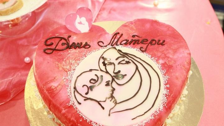 Глава Башкирии Рустэм Хамитов: «Дорогие мамы, спасибо за любовь, заботу и терпение»