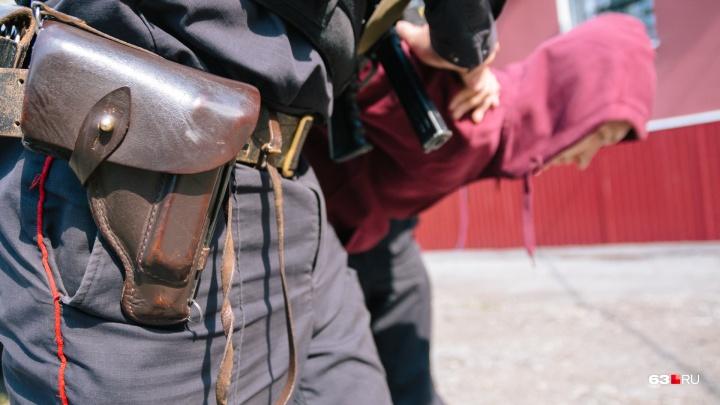 Прятал наркотики у ночного клуба: в Самаре поймали мужчину с 34 свёртками амфетамина