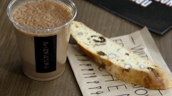 В «МЕГЕ» заработала кофейня омской сети с кофе «холодной заварки» и «воздушным латте»